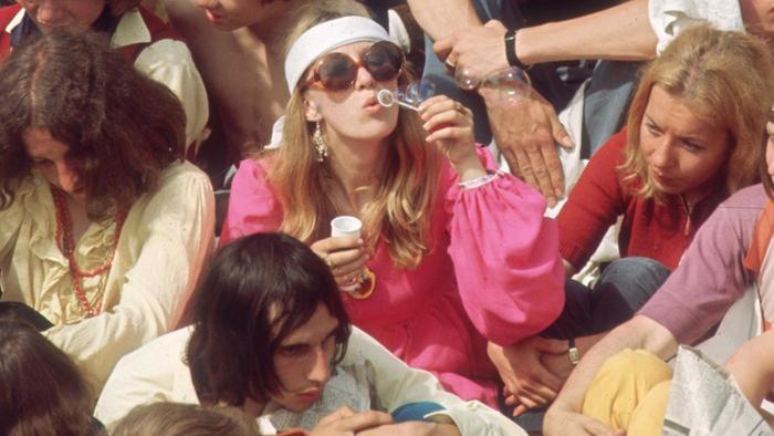 hippie-commune_36c1761fe50d9e85